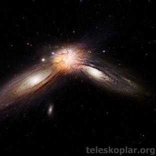 Galaksiler Çarpıştığında Ne Olur?