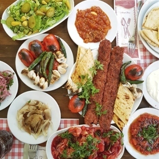 Adana Kebap Peşinde Adanalı İsmail Usta