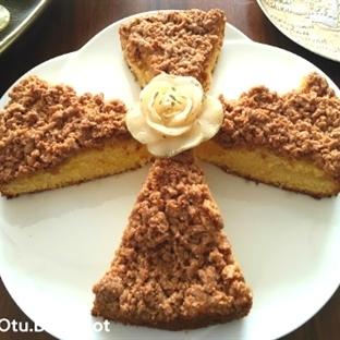 İçi Yumuşacık Üstü Kıtır Kıtır Elma Dilimli Kek