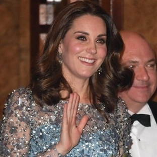 Kate Middleton: Mavi Jenny Packham Elbise