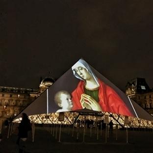 Musée du Louvre 'un Muhteşem Gösterisi