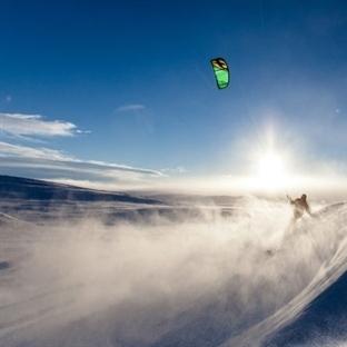 Snowkite ; Paraşüt ve Snowboard