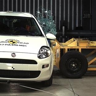 Fiat Punto'ya Çarpışma Testinden 0 Yıldız (Video)