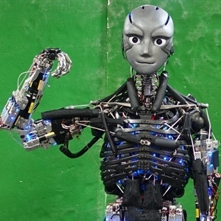 İnsana En Çok Benzeyen Robot Kengoro