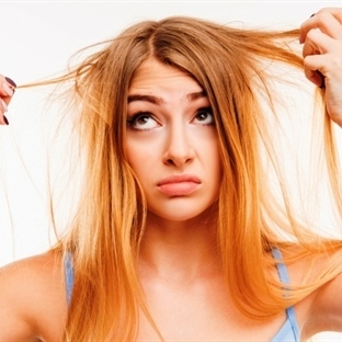 Son dönemlerde kadınların saçları neden dökülüyor?