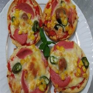 Hamburger Ekmeği İle Pizza Tarifi Yapımı