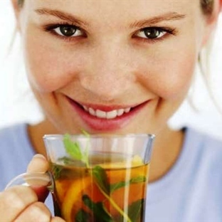 Bitki ve Meyve Çayı İçmenin 10 Önemli Nedeni