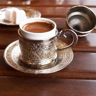 Kahve İç Depresyondan Korun