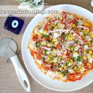 Tavuklu Pratik Pizza Tarifi