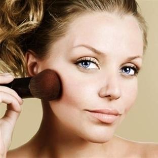 Anında 10 Yaş Genç Gösteren Makyaj Hileleri