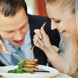 Evlilerin Zayıflama Konusunda Şanslı Olmaları