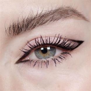 Grafik Eyeliner — 2017
