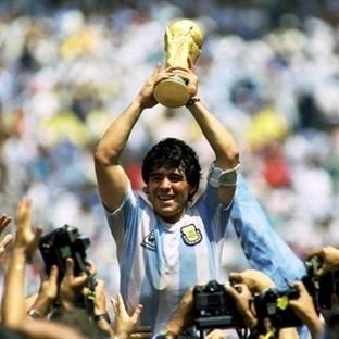 Futbolun Efsanesi Maradona