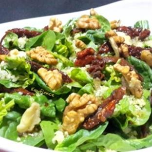 Kuzu Ispanağı Salatası