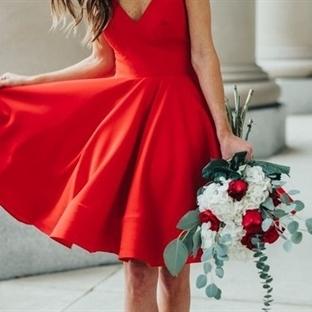 Yılbaşı için Kırmızı Elbisenizi Seçtiniz mi?