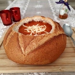 Ekmekte Domates Çorbası Tarifi