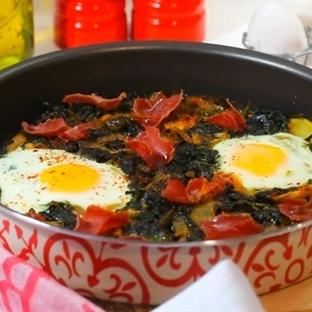 Fırında Yumurtalı Ispanak Tarifi