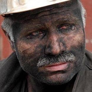 Kara Elması İşleyen Emektar Madencilerimiz