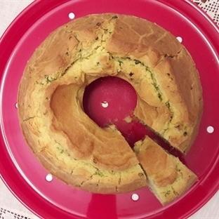 Kek Kalıbında Taze Soğanlı Mısır Ekmeği