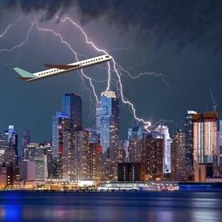 Yıldırım Çarpması Bir Uçağı Düşürebilir mi?