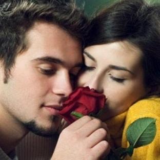 Bir Erkeği Kendinize Aşık Etmenin 10 Yolu