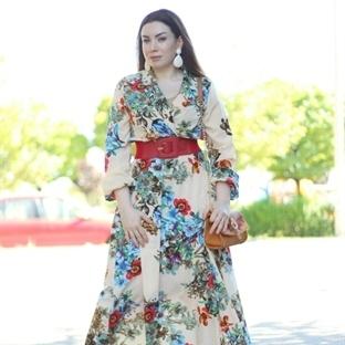Çiçekli Elbise ve Çiçekli Sandalet
