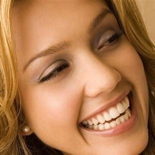 Hollywood gülüşü ile yüz ifadeniz değişsin