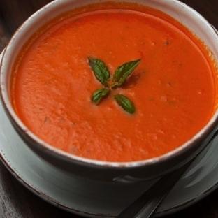 Kremalı Mantarlı Domates Çorbası