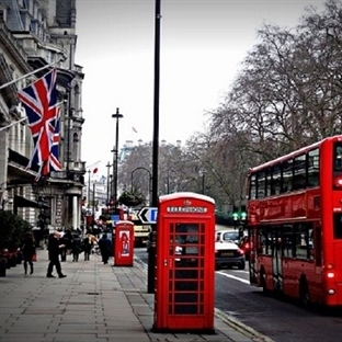Londra' da Her 3 İşten Birinde Robotlar Çalışacak