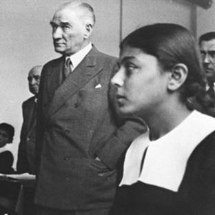 İlk Kadın Öğretmen: Fatma Refet Angın