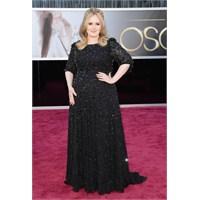 Kilolu Bayanlara Oscar Modasindan Şik Örnekler