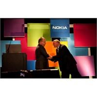 Microsoft Nokia'nın Cihazlar Birimini Satın Aldı
