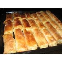 Baklava Yufkası İle Patatesli Börek