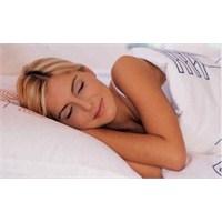 Kaliteli Uyumak Gençleştirir Mi?