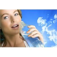 Su İçerek İdrar Yolu Enfeksiyonundan Korunun