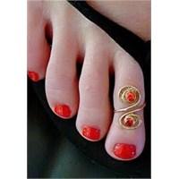Trend : Ayak Parmağı Yüzüğü