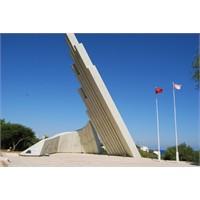 Kıbrıs Barış Ve Özgürlük Anıtı