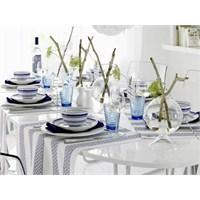 Mavi Ve Beyaz Tonlarında Harika Bir Masa Düzeni