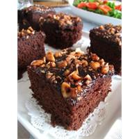 Fındıklı Ve Kakaolu Islak Kek