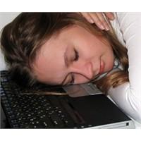 Sosyal Ağların Aşırı Kullanımı Narsist Yapıyor
