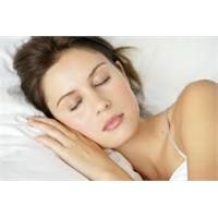 Kırışıkların En Büyük Düşmanı: Uyku