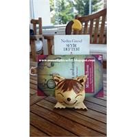 Kitaplarım Yine Kedilere Emanet