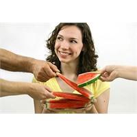 Stresten uzaklaşmak için mi yiyorsunuz?