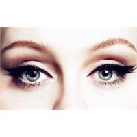 Eyeliner: Masumiyet Ve Çekicilik Arasındaki Çizgi