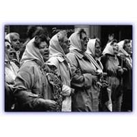 Cumartesi Anneleri Ve Plaza De Mayo Anneleri