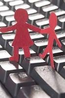 İnternet Sosyal İlişkileri Güçlendiriyor