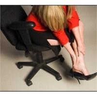 Yüksek Topuklu Ayakkabılar Ayak Sağlığı Düşmanı