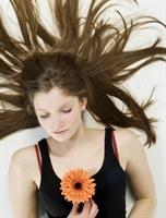 Saçlarınızı Bitkilerle Besleyin