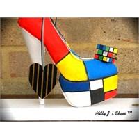 Bayan Sevgiliye Yeni Yıla Enteresan Ayakkabılar