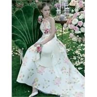 Bahçe Temalı Düğün İçin Gelinlik Modelleri